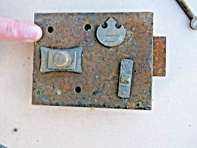 "Antique Vintage Cast Iron Door Lock And Key Improved Patent 1.210 Kgs 5""L4""H1""W"