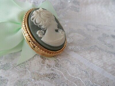 Stunning Vintage  1950'S Carved Green Cameo , Trinket / Pill Box