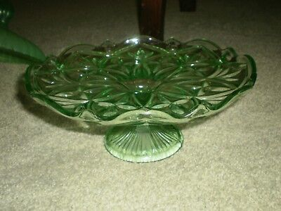 Vintage-Depression glass green cake stand