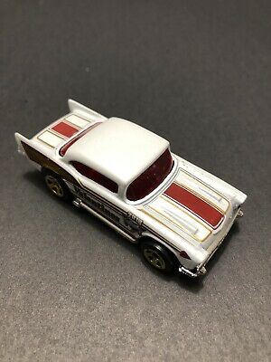 Hot Wheels Custom '57 Chevy Valentine Diecast Cars