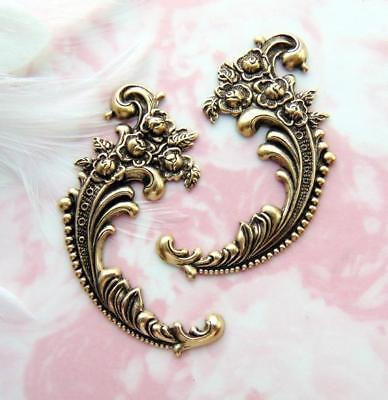 ANTIQUE BRASS (2 Pieces) Flower Flourish Stamping ~ Jewelry Finding (E-451)