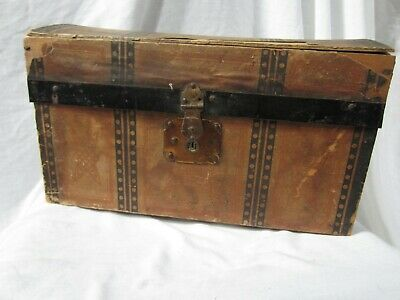 Antique Salesman's Sample Camel back Trunk w /Lift out tray Child's Doll  1800's