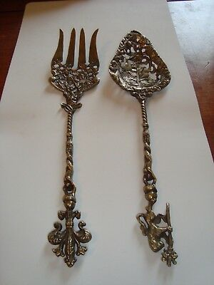 Vintage ORNATE 2 PC SERVING SET. BEAUTIFUL DESIGN!  Marked Italy