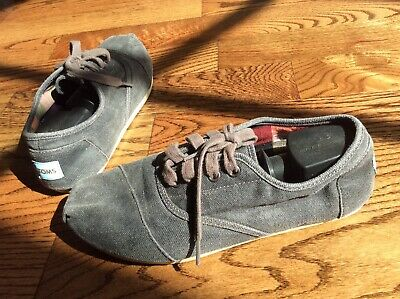 Toms One for one shoes SZ M8 Cordones Laceup boots Casual Athletic Sneakers Gray