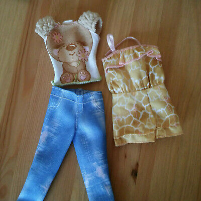 Part of 2012 Barbie Fashionistas Zoo Day Fashion pack