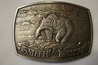 1982 Smith & Wesson Brown Bear Belt Buckle North American Game Series Brass