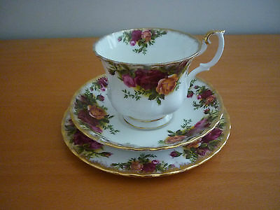 Vintage Royal Albert Old Country Roses Trio Set- Footed Cup, Saucer & Side Plate