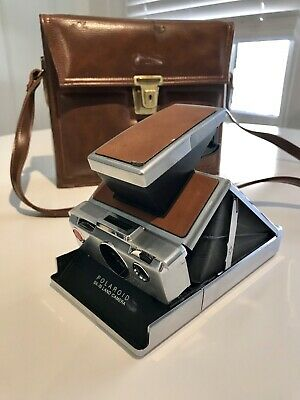 Vintage Polaroid SX70 Land Camera w/ original leather case