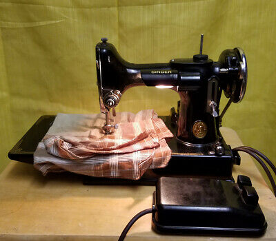 1940 Singer Featherweight 221 Sewing Machine Complete with Attachments