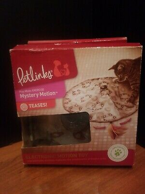 Petlinks Mystery Motion Cat Toy Concealed Motion Toy,