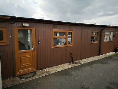 Holiday chalet in Mablethorpe sleeps 4 (1 NIGHT STAY ONLY SEE LISTING FOR MORE)