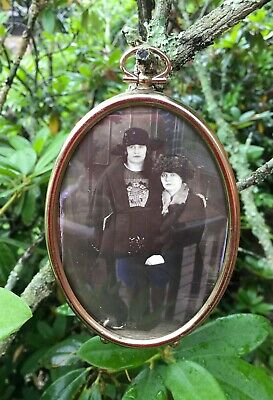 Antique Oval Brass  Metal Wall Picture Frame Convex Glass Sister Friends Photo
