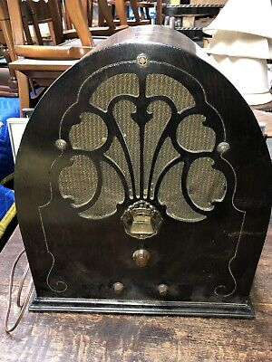 1930's Philco Model 20 Cathedral Radio In Working Condition