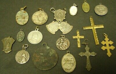 CATHOLIC PENDANT LOT Italy Holy Rosary Mysteries Crucifix Religious  17 Items