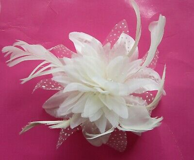 White FASCINATOR Flower Net Ribbon Feather Tendrils | Comb | Wedding (67A)