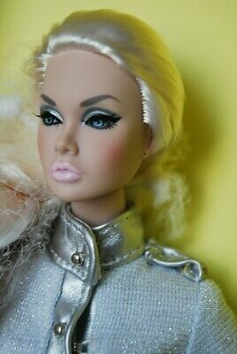 Poppy Parker Out Of This World NRFB. Integrity toys. Fashion royalty.