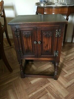 Small 2-door Wood Bros Old Charm English oak pedestal cabinet cupboard table gc