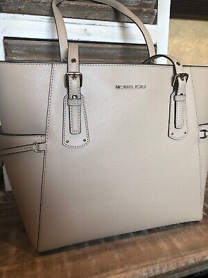 4b79730ba NWT MICHAEL KORS Oat beige leather Voyager East West Tote, Retail $228, NEW