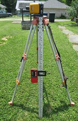 CST/Berger LM30 Manual Rotary Laser  Tripod and Grade Pole  For Parts or Repair