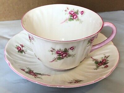 Shelley ~ BRIDAL ROSE~ Fine Bone China - Tea cup & Saucer  Pink Roses