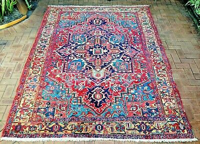 Authentic Antique Hand-Knotted Heriz Rug (235 cm x 310 cm)