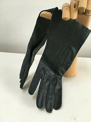 Vintage soft  leather ladies brown gloves with cream trim Size 7 or 7.5