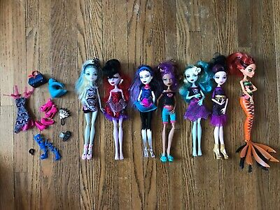 Monster High 7 Doll Lot. Lagoona, Spectra, Draculara, Scarrier Reef Cleo