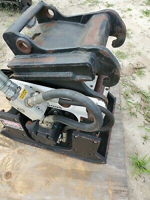 Stanley Hs-3004 Plate Compactor For Mini Excavators, X-Change Coupler, Low Use