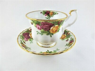 Vintage Royal Albert Bone China Old Country Roses TEACUP / CUP SAUCER  England