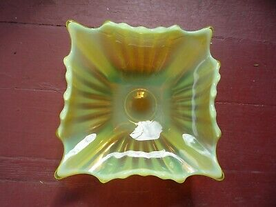 Lovely Vintage Fostoria HEIRLOOM Yellow Opalescent Uranium Vaseline Square Dish