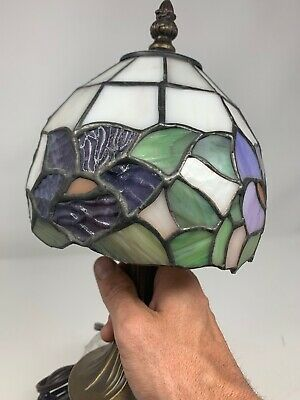 Small Tiffany Style Lamp Stained Glass Floral Lamp Shade 6 Inch Diameter EUC
