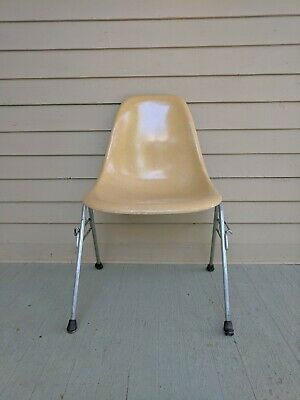 Pleasing Vintage Eames Herman Miller Tan Beige Shell Chairs H Base Pdpeps Interior Chair Design Pdpepsorg
