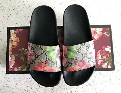 a9cc04ff9 100% Authentic Women's Gucci GG Blooms Pursuit Slide Sandals Size 35 /US 5.5