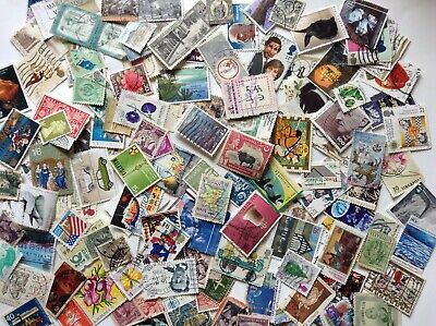 WW 100 grams KILOWARE abt 900 USED STAMPS OFF PAPER PERIOD 20th C to 2018r