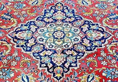Authentic Hand-Knotted Supper-fine Ghoum Rug (204 cm x 306 cm)