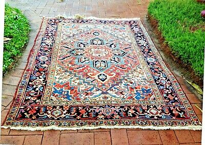 Authentic Antique Hand-Knotted Heriz Rug (207 cm x 146 cm)