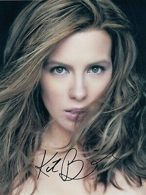 Kate Beckinsale Signed  8x10 auto photo in Excellent Condition