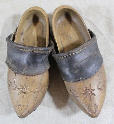 PAIR OF ANTIQUE WOODEN CLOGS | ANTIQUE DUTCH CLOGS WITH PINNED SOLES | c.1900