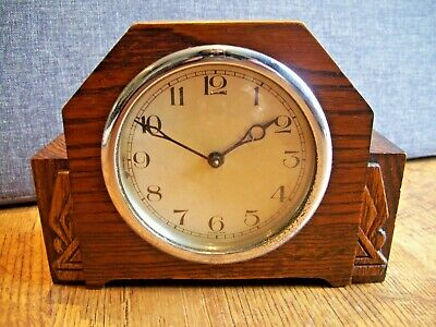 Antique c1930's Art Deco Foreign Oak Cased Mantel Clock (Winding Mechanism Time)