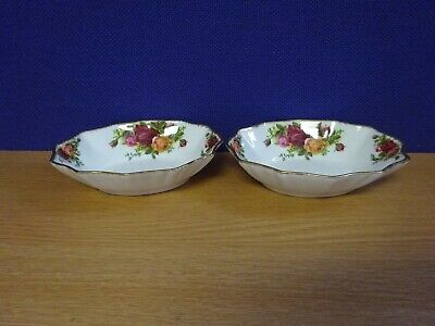 Pair of Royal Albert Old Country Roses Edge Dishes