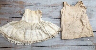 ANTIQUE / VINTAGE PRETTY   Dolls / BABY DRESS