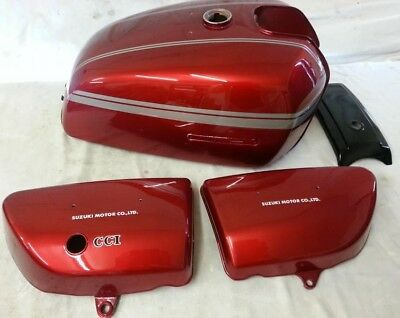 SUZUKI GT750A 1976 MODEL TANK AND SIDE PANELS FULL PAINTWORK DECAL KIT