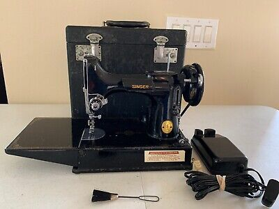 SINGER MODEL 221 FEATHERWEIGHT SEWING MACHINE CASE & Pedal