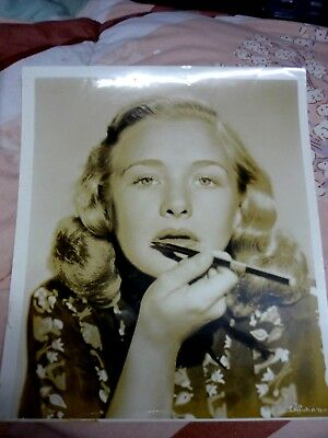 Burlesque, Rockabilly  Woman putting on make up. 1940's - 50's Old Sepia photos,