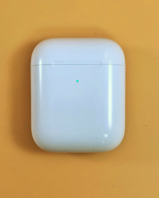 Apple Wireless Charging Case for AirPods - White - (MR8U2AM/A) A1938 - Open Box