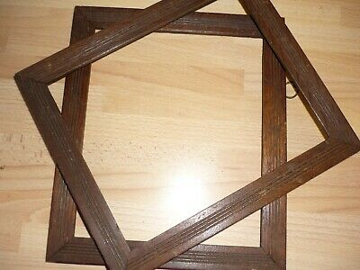 2 Edwardian oak picture frames in very good condition. 27x 23 cm.