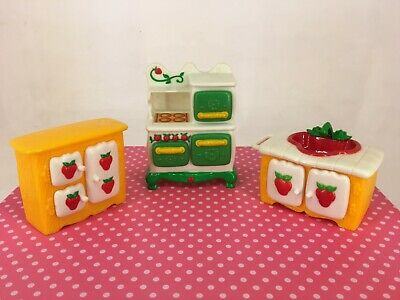 Vintage 1980s Strawberry Shortcake - Berry Happy Home Furniture - Kitchen