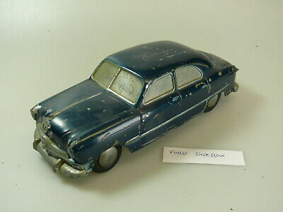 ca.1:25 Banthrico/National Products promo car: FORD 'blau'