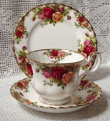 """Royal Albert """"Old Country Roses Pattern"""" Trio Cup, Saucer, Tea Plate 1st Quality"""