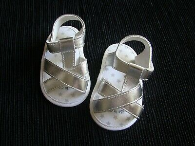 Baby clothes GIRL 6-9m silver/white stars sandals/shoes length 12cm SEE SHOP!